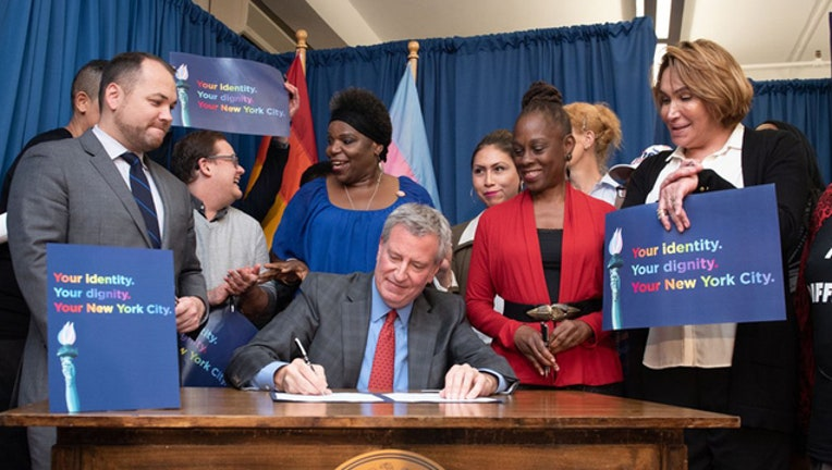 9fc91e02-NYC_MAYOR_BIRTH_CERTIFICATE_DEBLASIO_101018_1539294376555-402970.jpg
