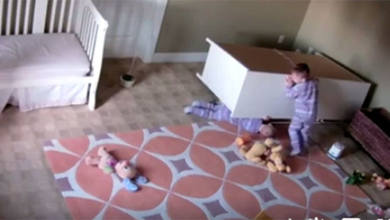 a41812bd-Toddler Saves Twin Brother-402970