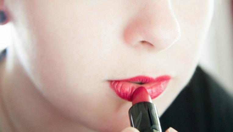 lipstick-herpes_1509457041260.jpg