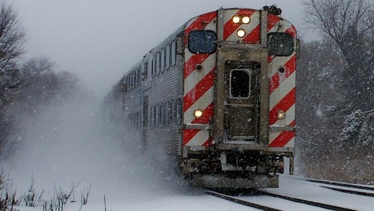 metra-snow_1481647024065.jpg