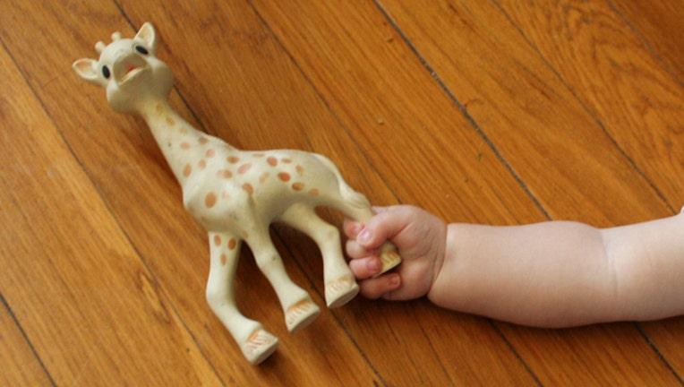 b446f14d-sophie-giraffe_1484657576012.jpg