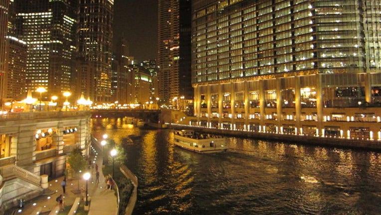 chicago-river-trump_1498315563901.jpg