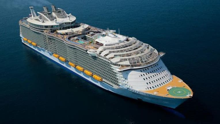 bd976bb9-cruise ship