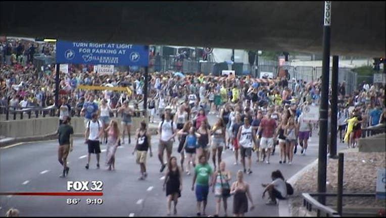 c15f55da-Lollapalooza-Evacuated-Rain