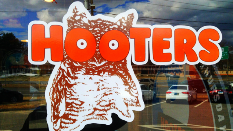 c36010ab-hooters_1467651634526.png