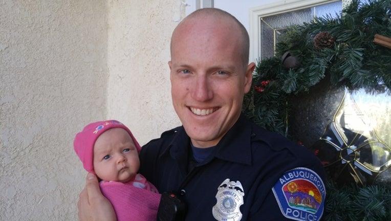 c82c80b0-ryan_holets_baby_addicted_opioid_pregnant_mom_officer_guardian_angel_120517_1512493989801-401096.jpg