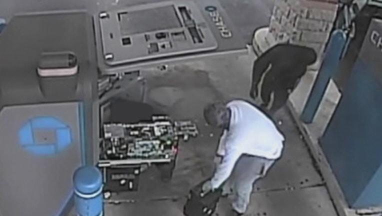 d2c6481c-chase-bank-robbery-norridge_1534526833682.jpg