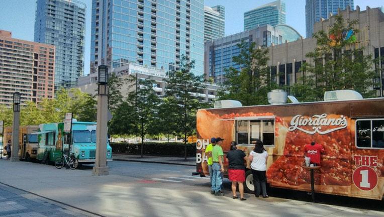 d8789bfc-chicago-food-trucks_1480989925018.jpg