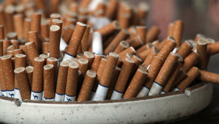 cigarettes-ashtray_1477322086152.jpg