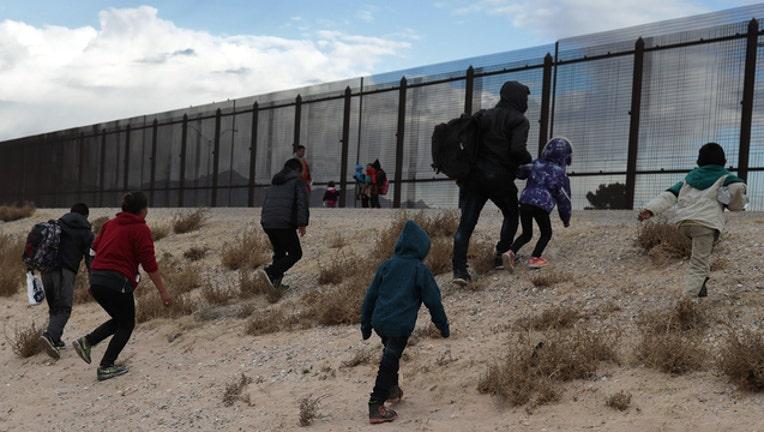 db54ca67-getty_immigrants_051619_1558043507817-402429.jpg