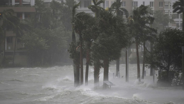 dde28d98-Getty Images Miami Irma Sunday Sept 10-402429