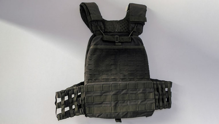 e013d97c-getty body-armor1_1561344147689-401385.jpg