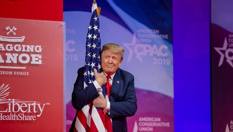 trump flag getty-401385
