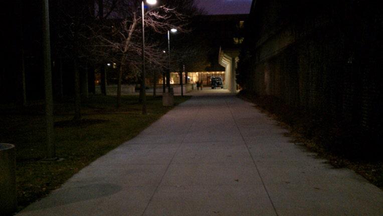 uic-campus-night