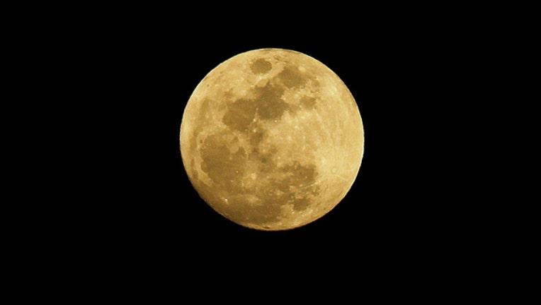 e4b635b4-moon_1488237807049.jpg