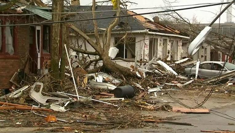 ea81ec72-naplate-storm-tornado_1488375897757.jpg