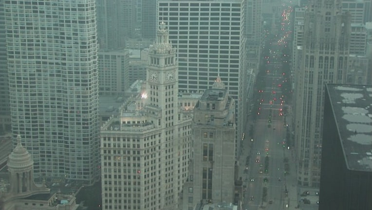 eb0d9ccd-fog-advisory-chicago-wrigley-building