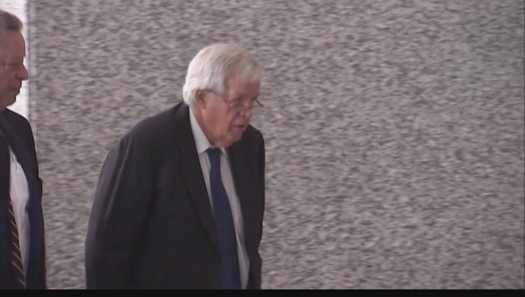 Hastert_poised_to_plead_guilty_to_protec_0_20151028112808