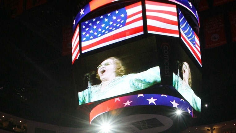 ec8e7e9d-GETTY Video clip of Kate Smith singing before a Flyers game