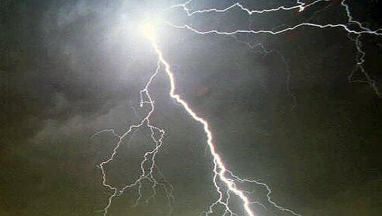 ed91d540-lightning-generic_1499132801991-402429.jpg