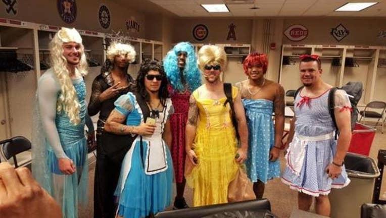 eead0eb5-cubs-rookies-princess-costumes