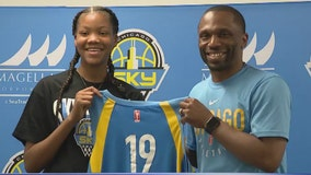 14-year-old signs one-day contract with Chicago Sky