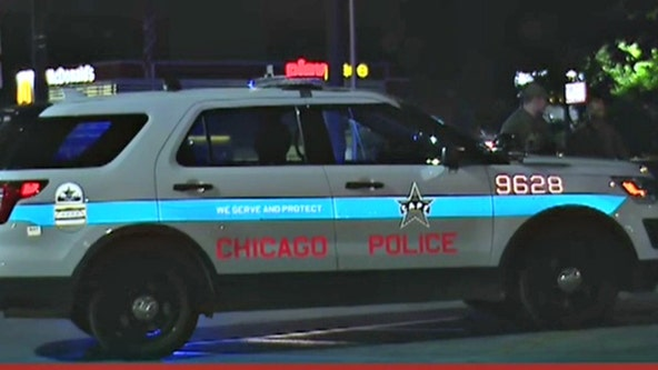 2 CPD officers injured after being dragged by vehicle in Chicago