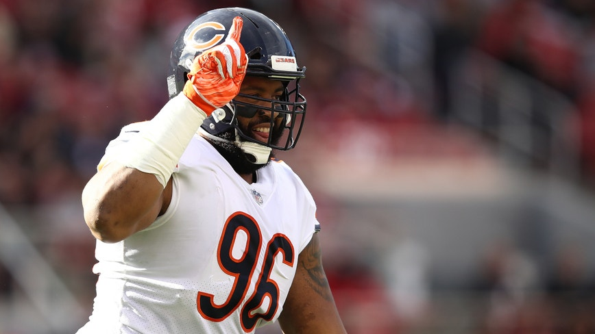 Chicago Bears put star DT Akiem Hicks on injured reserve