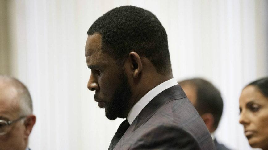 R. Kelly's former divorce lawyer seeks $12,000 from singer