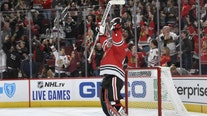 Toews, Lehner lead Blackhawks over Blue Jackets 3-2 in OT