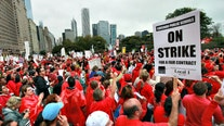 Very few workers crossed picket lines during Chicago teacher strike, report shows