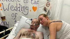 Dad gets wish to marry girlfriend hours before lung cancer death