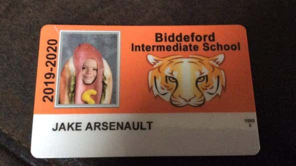 'The only school photo we'll ever buy:' 4th-grader dresses up in hot dog costume for school picture