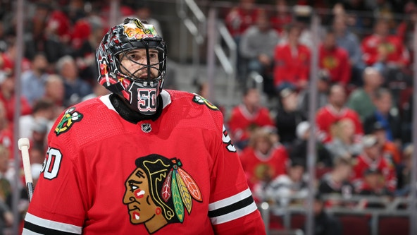 Crawford leads Blackhawks to 1st win, 3-1 over Oilers