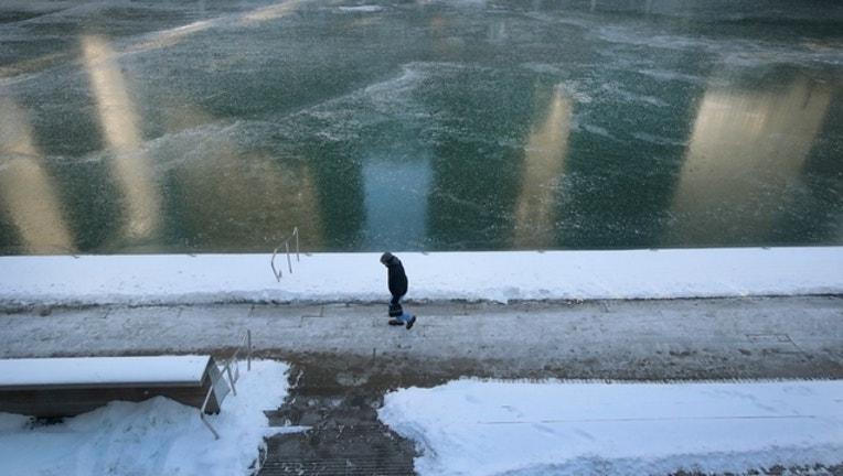2ac1c461-GETTY-cold-chicago_1514894703688.jpg