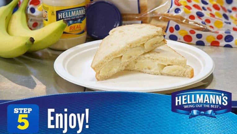 32526816-banana-mayo-sandwich_1460227414390.jpg