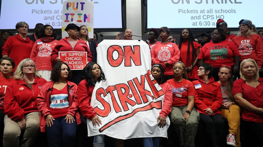 Chicago teachers strike amid no contract deal