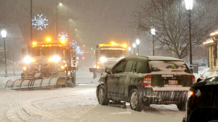 Snow starts overnight, expected to dump 3 inches into Saturday