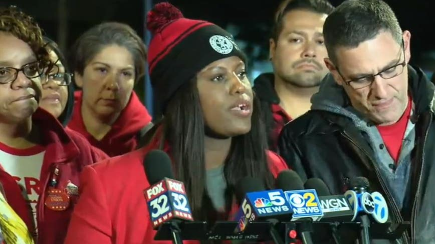 Teachers, district still negotiating Saturday; Mayor says school likely canceled Monday