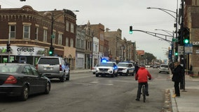 Innocent bystander among 3 shot in Little Village: police