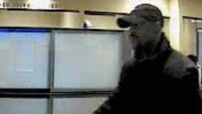 FBI releases photos of man robbing Chase Bank branch in Lake View