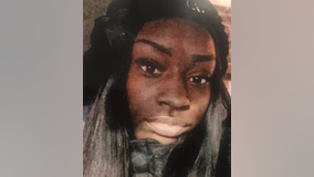 Missing 18-year-old woman last seen in Park Manor
