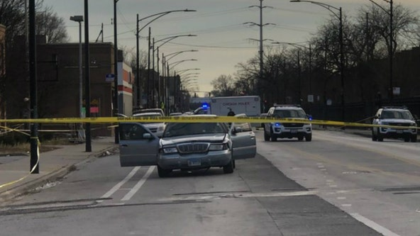 Triple shooting in Park Manor leaves 1 dead, 2 wounded: police