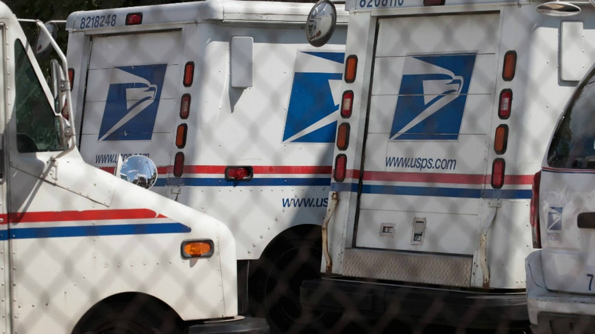 Thieves steal US Postal truck in Chicago during holiday season