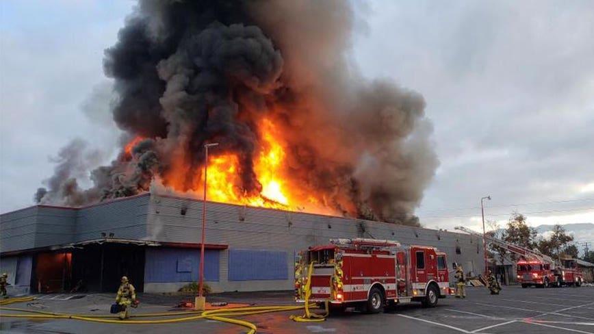 Massive flames erupt in vacant skating rink in San Bernardino