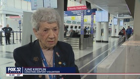 96-year-old woman has been greeting O'Hare passengers for 50 years