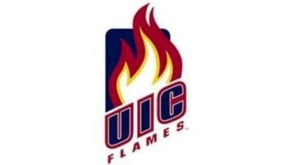 Mitchell scores 23 to lead UIC over Central Michigan 74-72
