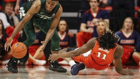 Illinois says MRI shows no damage to Ayo Dosunmu's knee