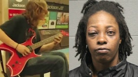 Woman tried to shove Red Line musician onto tracks before stabbing him: prosecutors