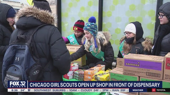 Girl Scouts set up shop outside Chicago cannabis dispensaries